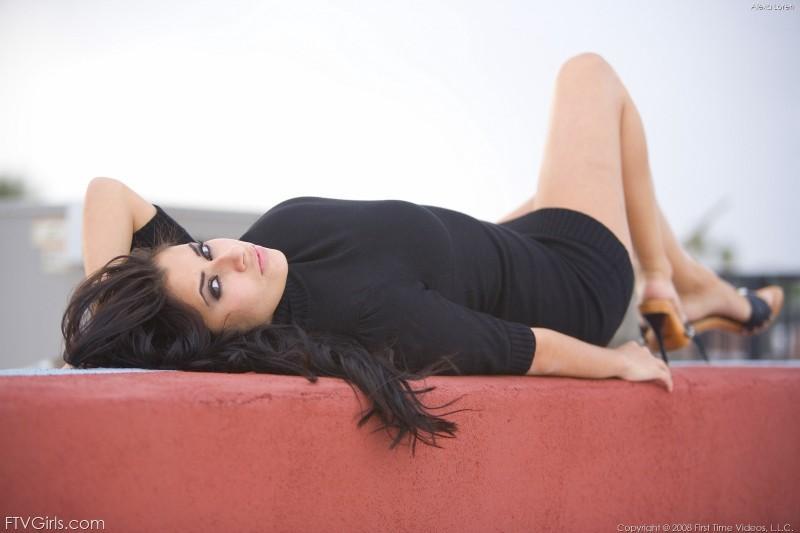 alexa loren black sweater ftvgirls 03 800x533