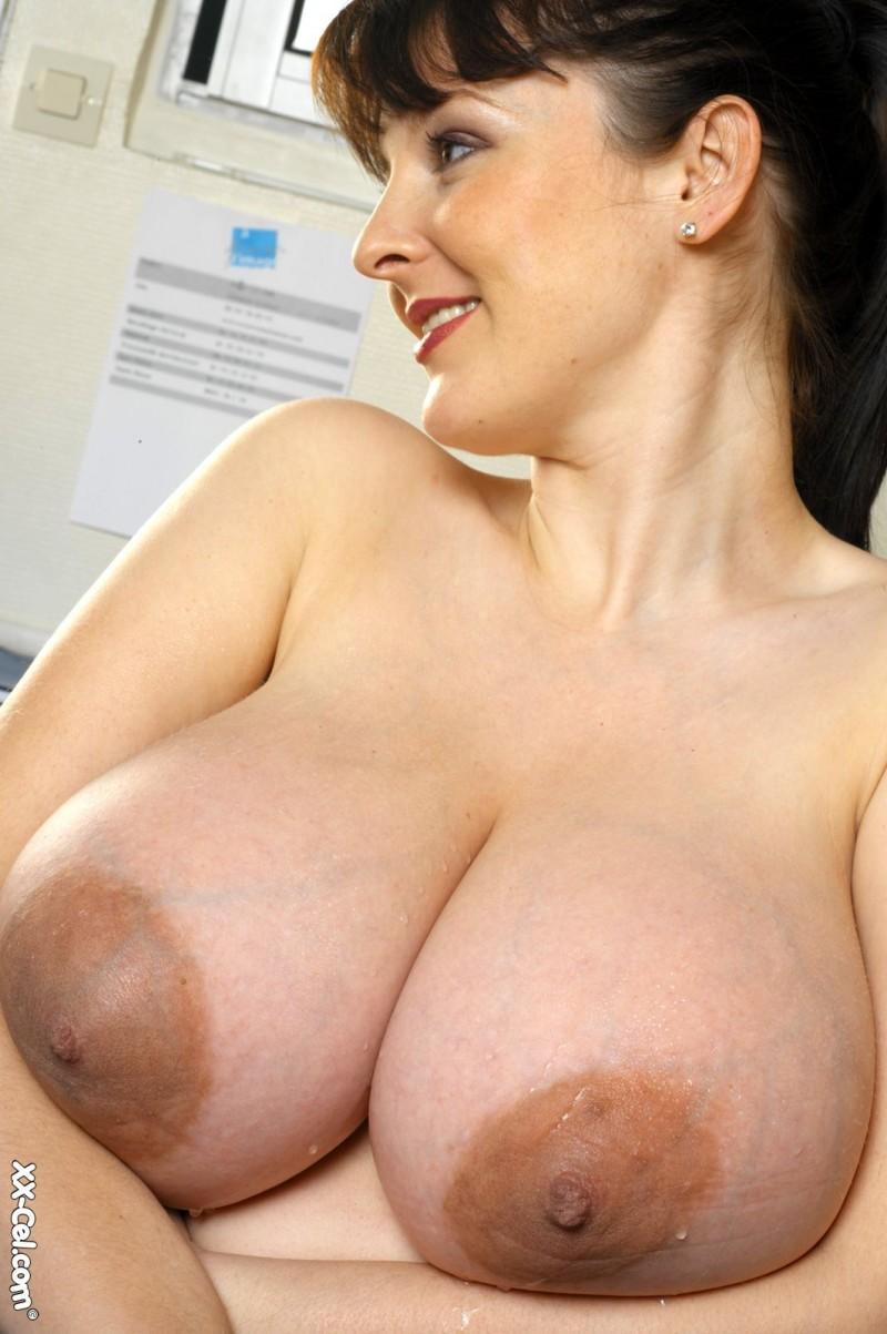 big boobies 72 800x1203
