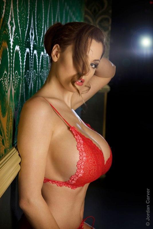 big boobies 89