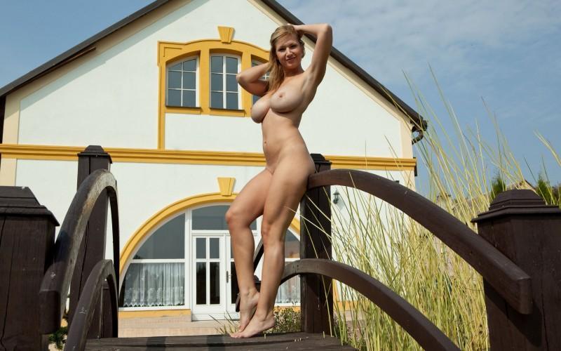 big boobies tits vol4 07 800x500