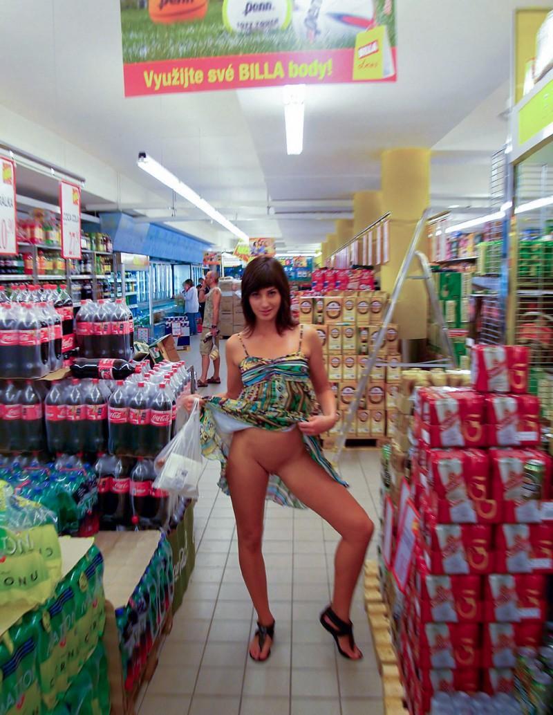 bottomless girls nude mix 28 800x1034