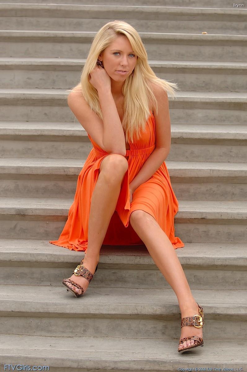brynn flash in public bottomless orange dress ftvgirls 35