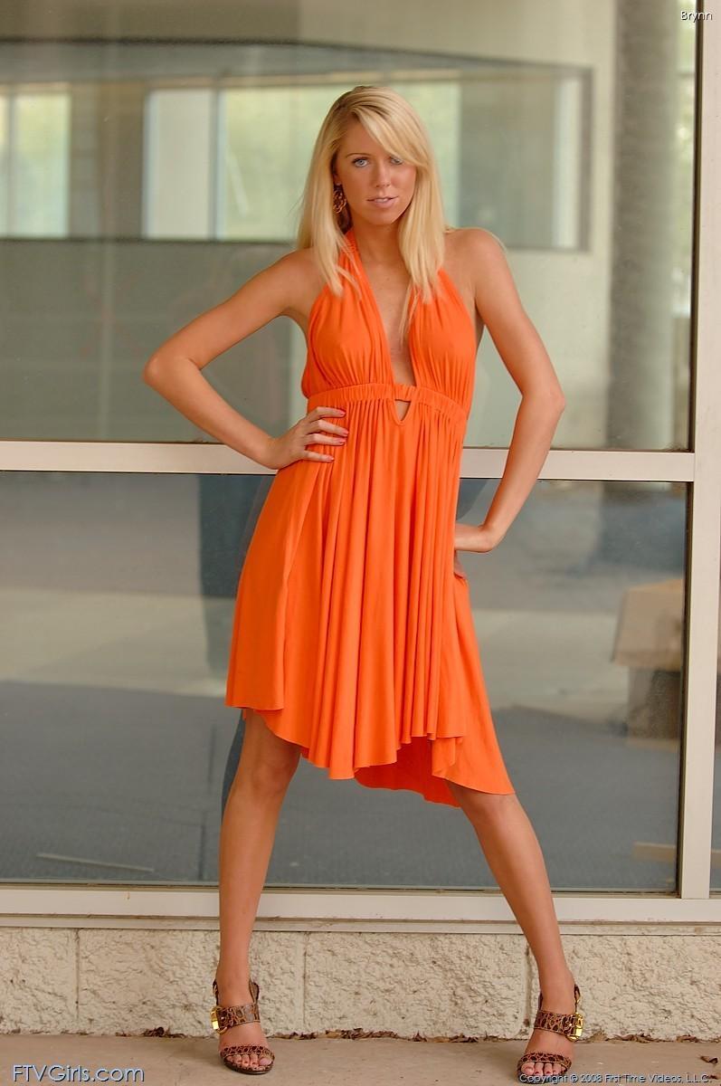 brynn flash in public bottomless orange dress ftvgirls 51