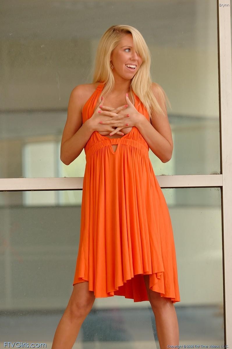 brynn flash in public bottomless orange dress ftvgirls 57