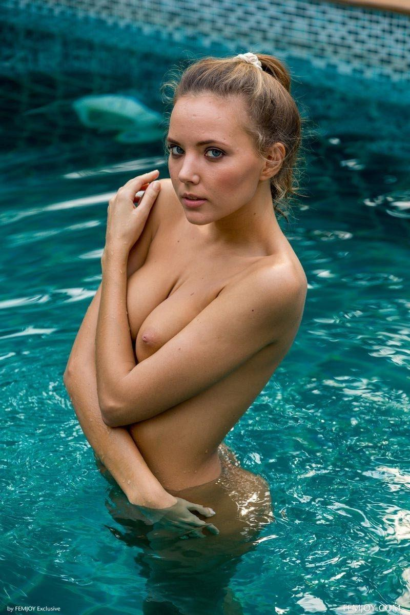 girls nude in pool wet photo mix vol6 65 800x1200