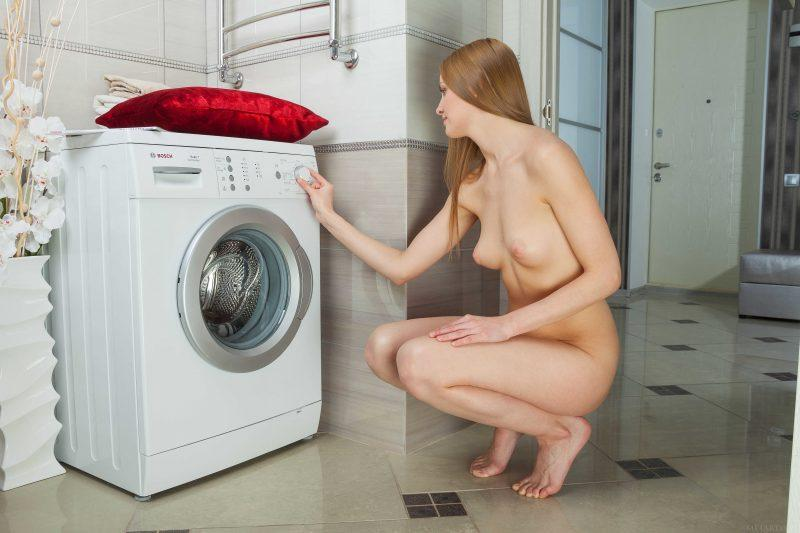 laundry girls nude washing machine photo mix 98 800x533