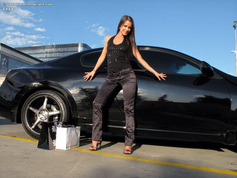 lexa parking nude public car inthecrack 02 800x600
