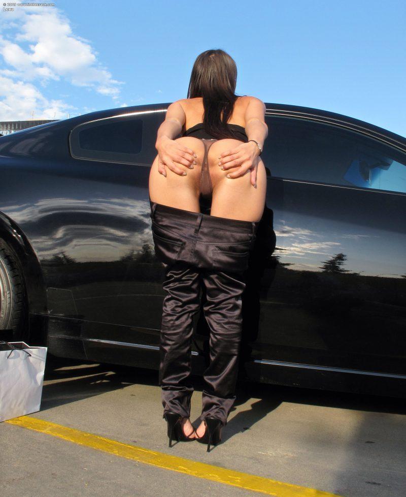 lexa parking nude public car inthecrack 05 800x978
