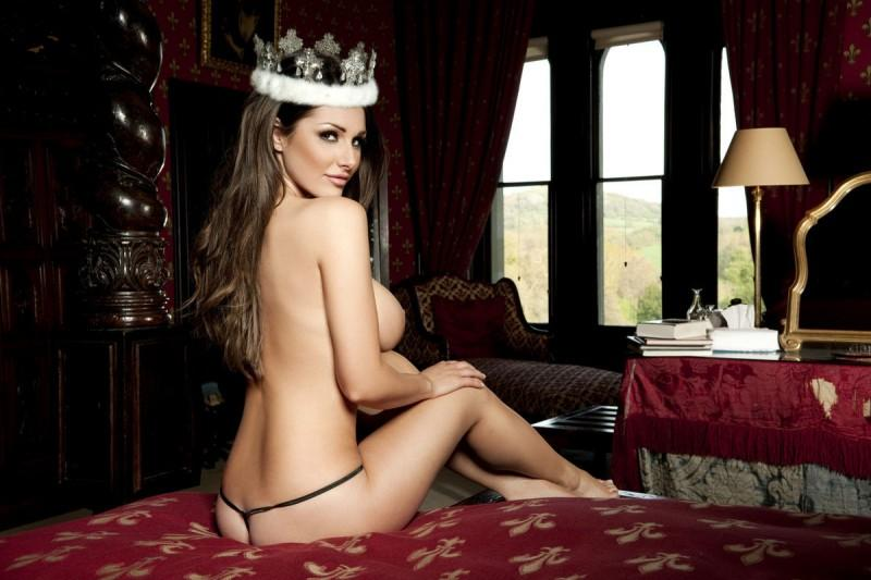 lucy pinder nuts magazine queen of boobs 04 800x533