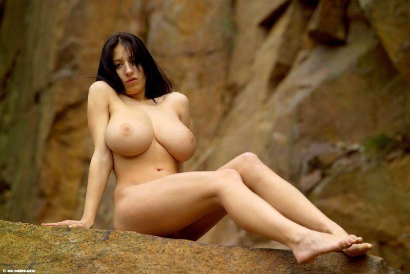 maria swan tits nude on rocks mcnudes 03 800x534