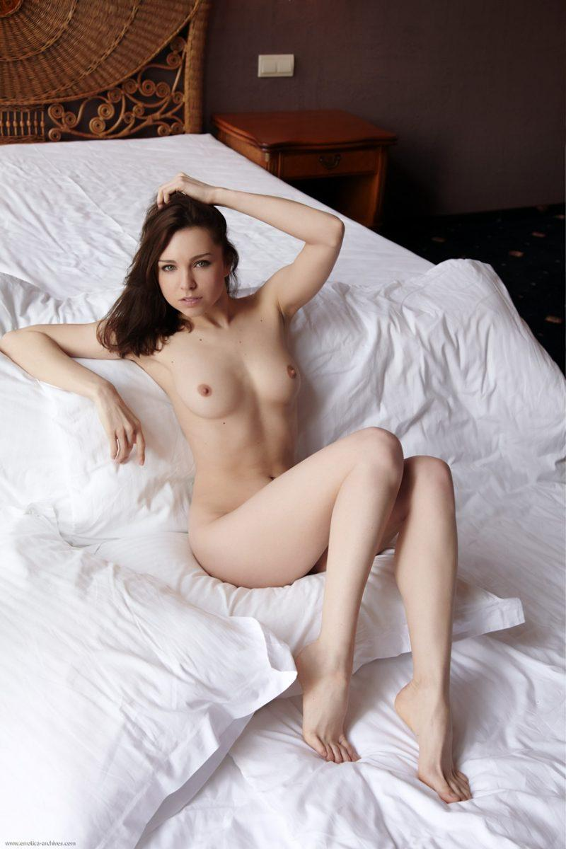naked girls in bedroom nude mix vol4 39 800x1200