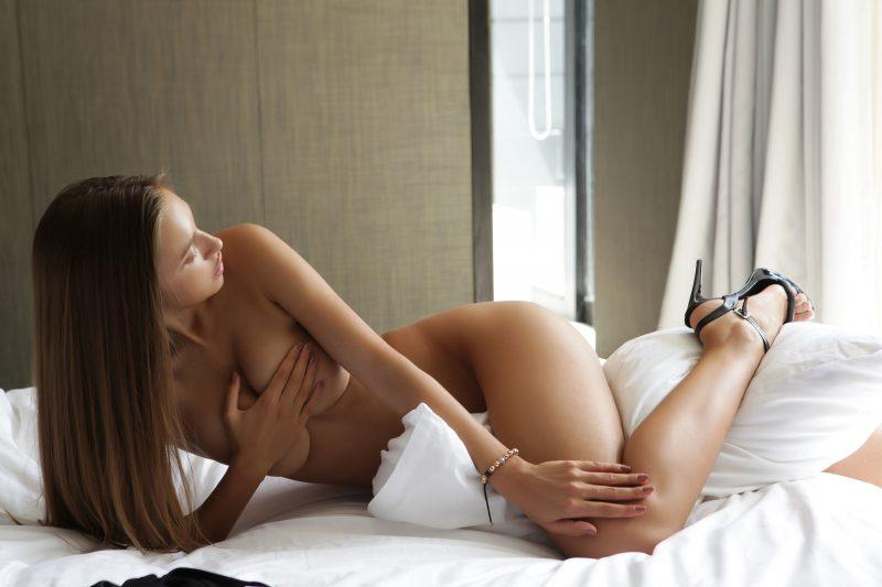 naked girls in bedroom nude mix vol4 97 800x533
