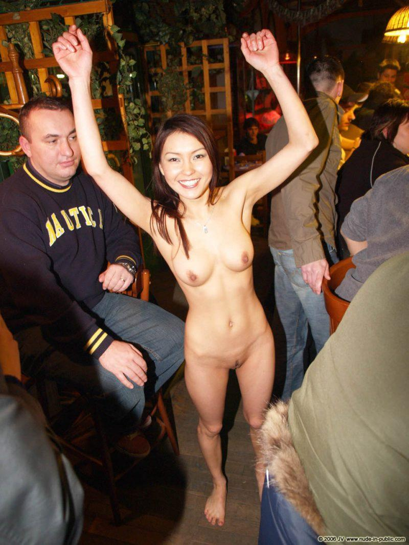 naked girls in public mix vol5 29 800x1067