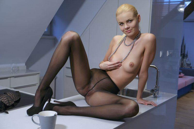 naked girls in tights pantyhose mix vol3 35 800x533