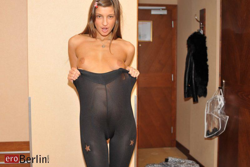 naked girls in tights pantyhose mix vol3 71 800x533