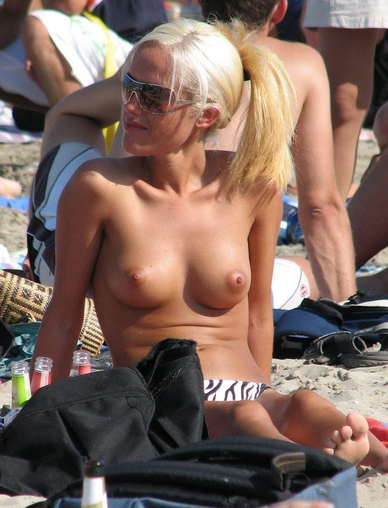 nude beach nudists girls mix vol6 58 800x1047