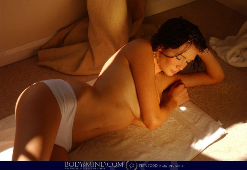 peta todd boobs after bath nude body in mind 07 800x551