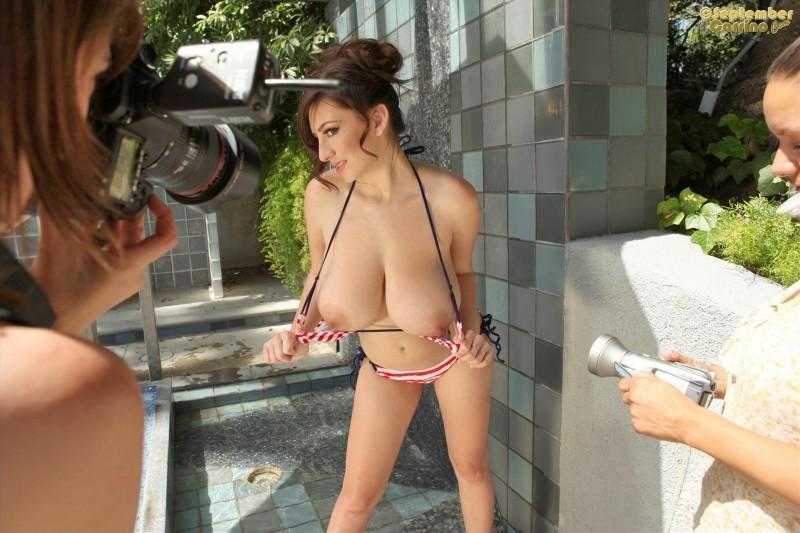 september carrino nude bikini 09 800x533