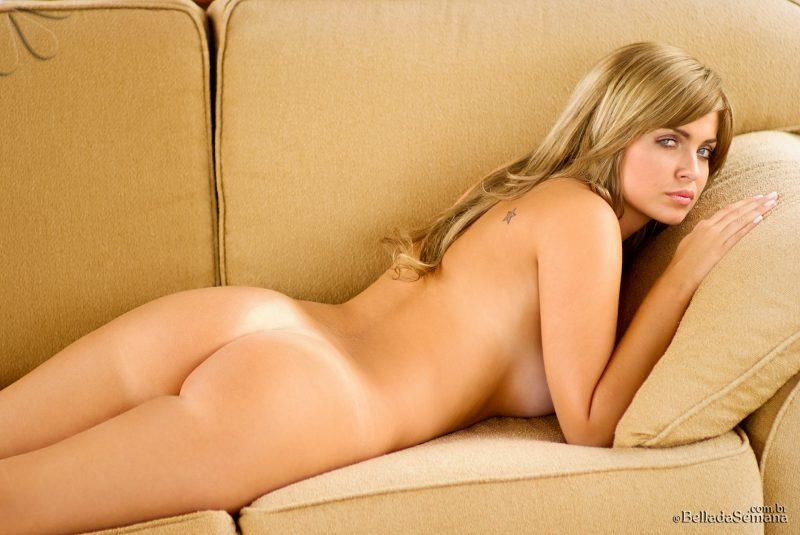 veridiana quadros nude on couch bellada semana 15 800x535