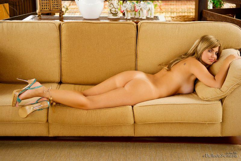 veridiana quadros nude on couch bellada semana 16 800x535