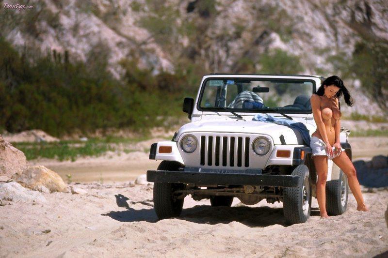 veronika zemanova boobs jeep wrangler twistys 15 800x533