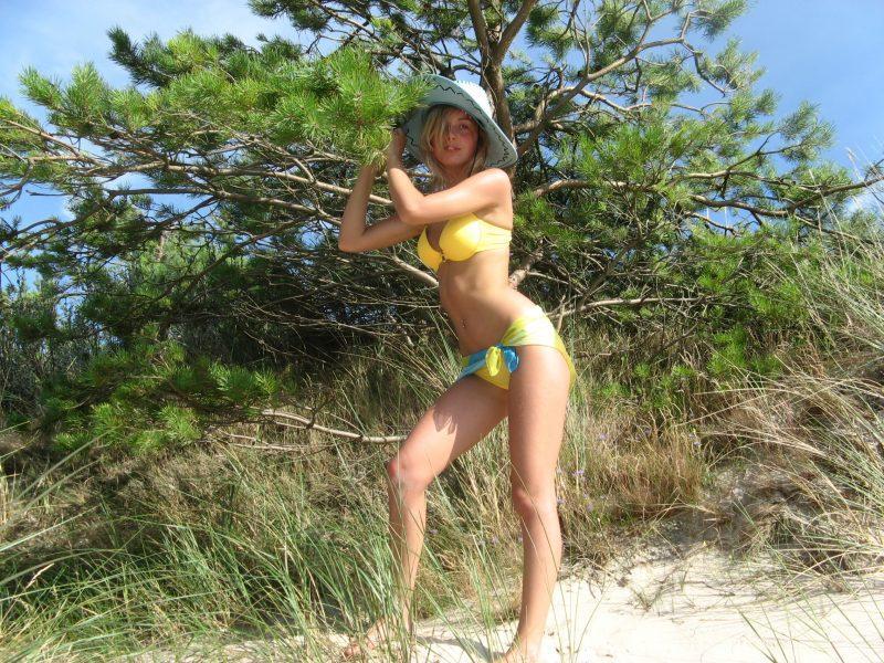 amateur ex girlfriend blonde nude vacation photos 01 800x600