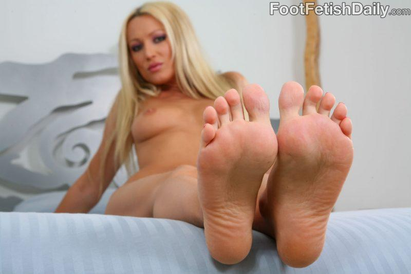 feet fetish nude girls foot mix vol5 11 800x533