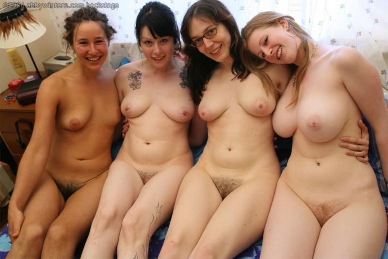 lots of girls 31 800x533