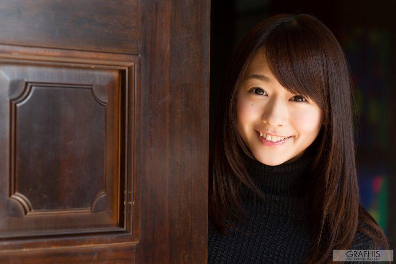 marina shiraishi japanese busty asian girl nude graphis 02 800x533
