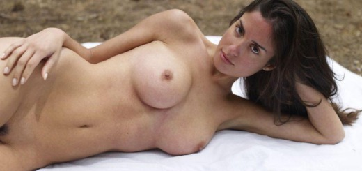 muriel naked in woods hegreart 01 800x600