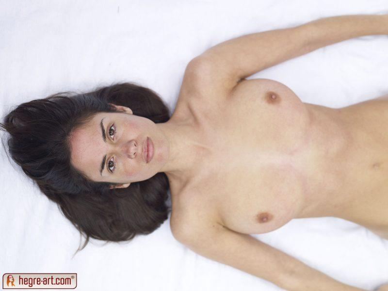 muriel naked in woods hegreart 04 800x600