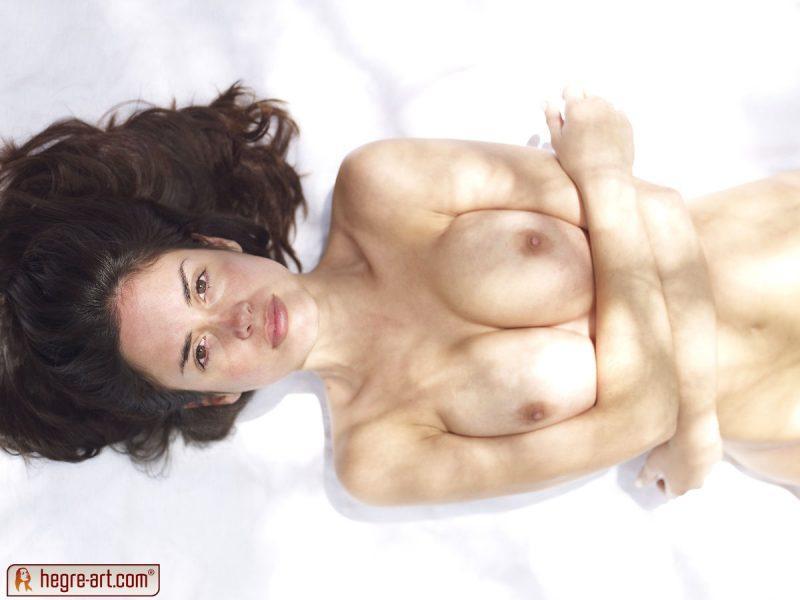 muriel naked in woods hegreart 15 800x600