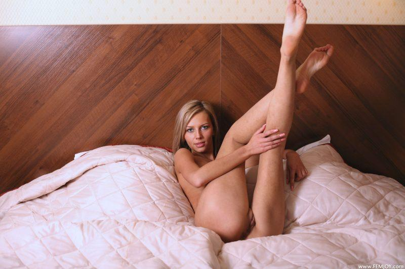 nude girls with legs up mix 15 800x533