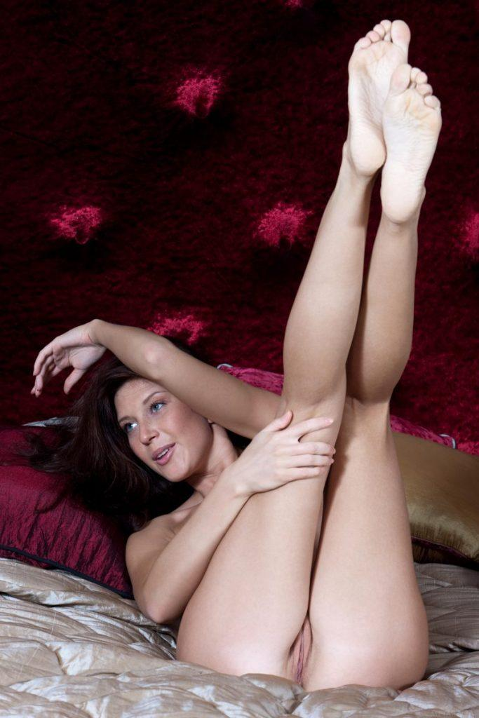 nude girls with legs up mix 27 800x1200