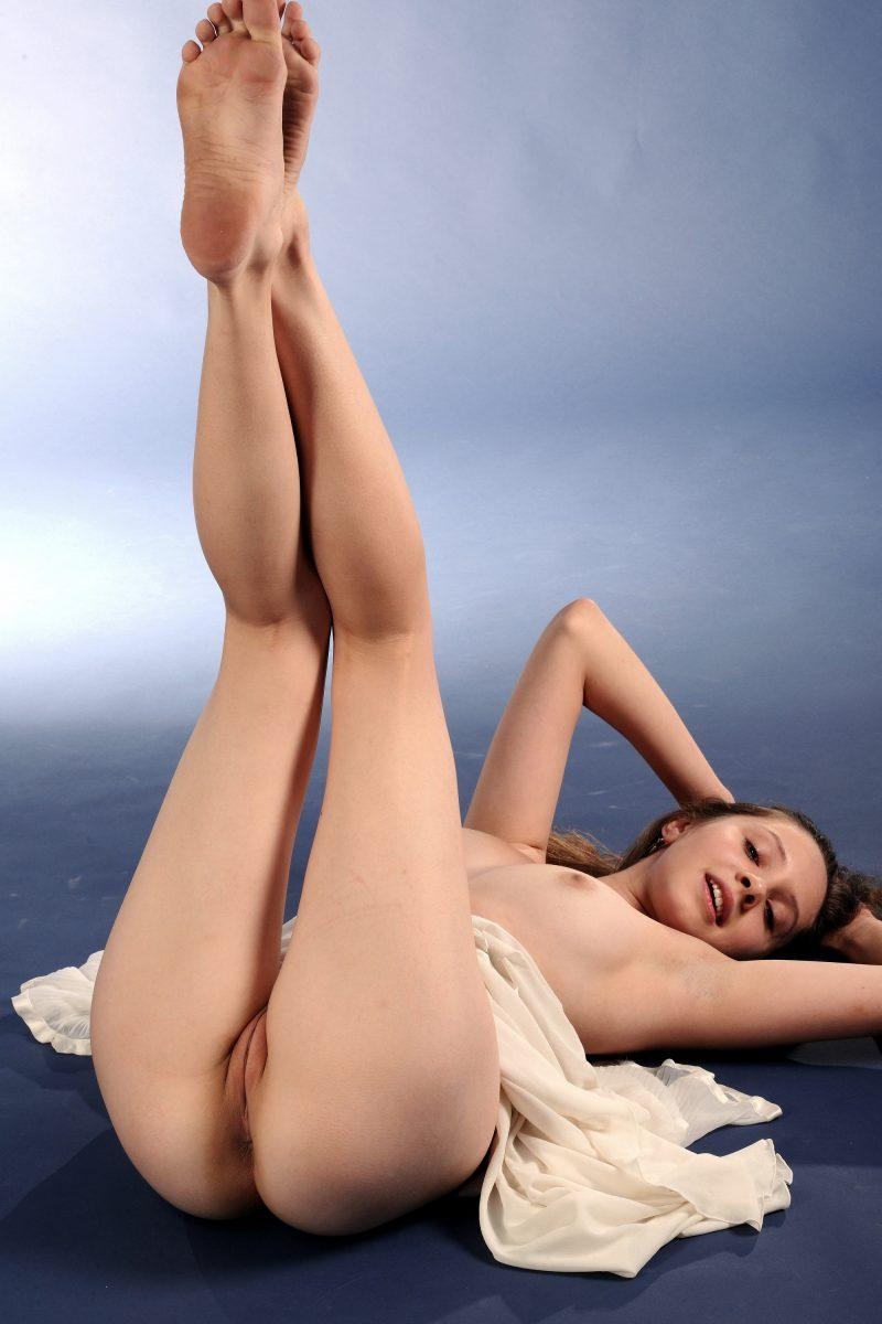 nude girls with legs up mix 36 800x1200