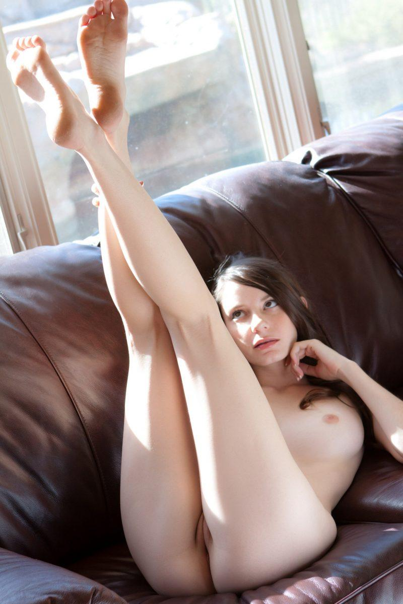 nude girls with legs up mix 38 800x1200