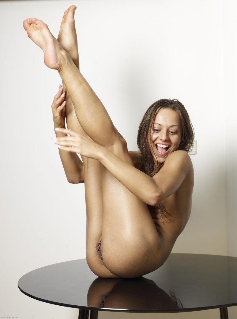 nude girls with legs up mix 46 800x1075