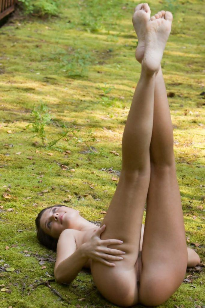 nude girls with legs up mix 67 800x1200
