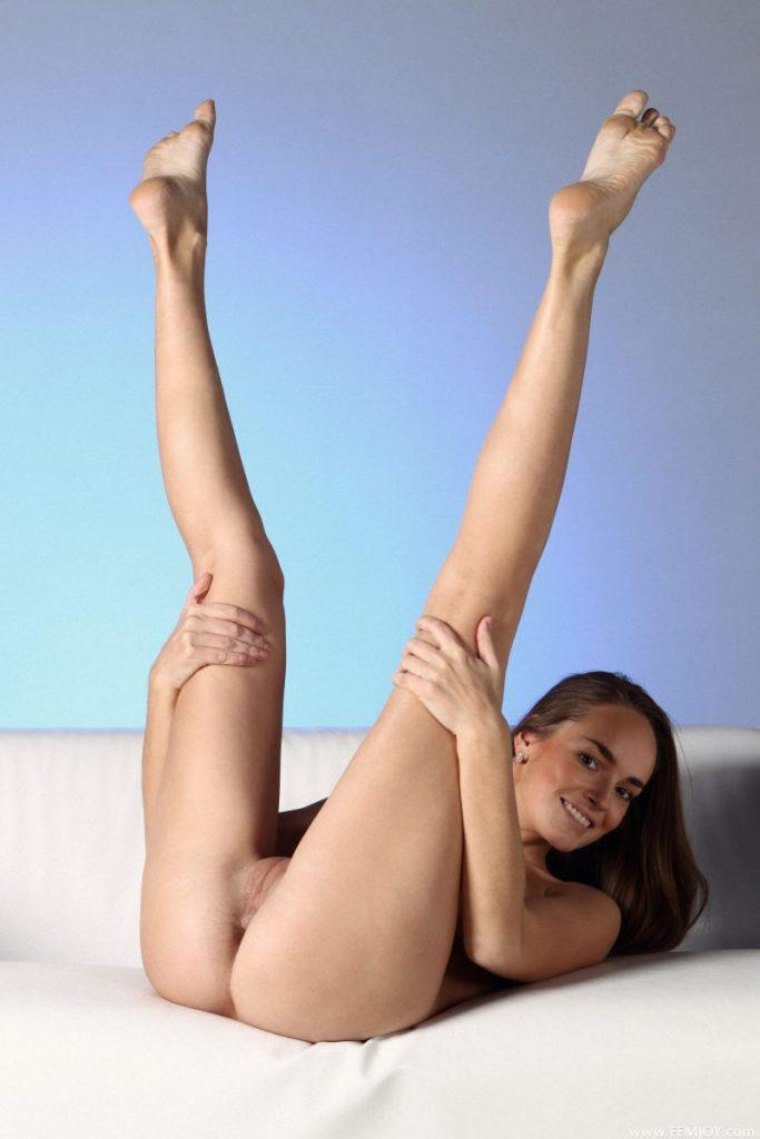 nude girls with legs up mix 80 800x1200