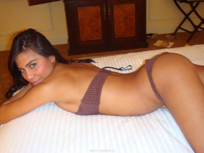 tanned brunette amateur in hotel room 07 800x600