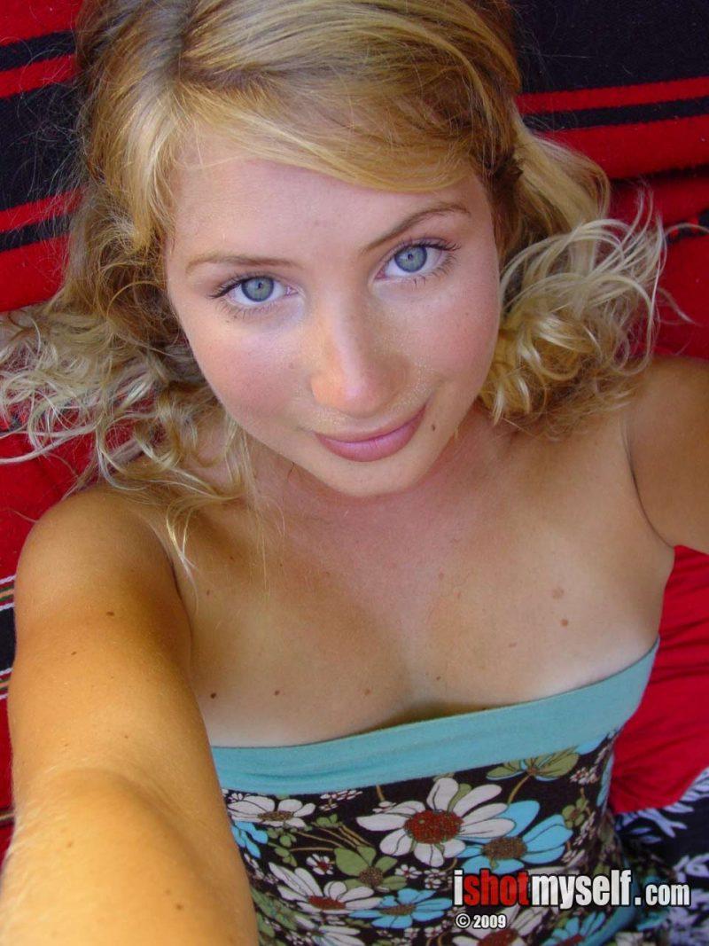 wilhelmina blonde nude ishotmyself 01 800x1067