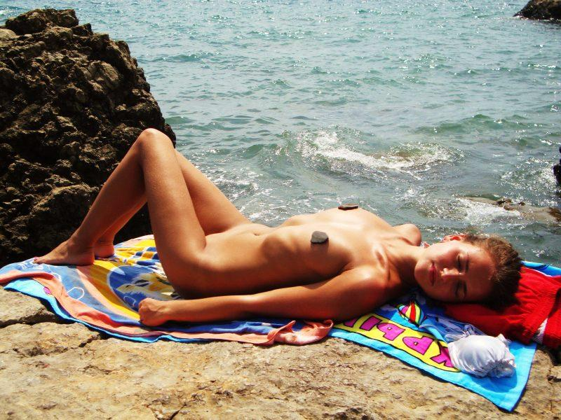 young nude russian amateur on holydays 13 800x600