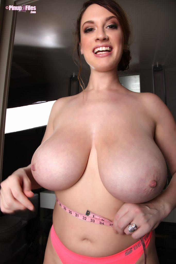 lana kendrick boob measuring 2016 set 2 1