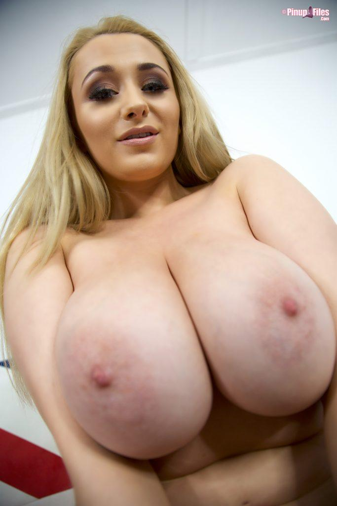 bras Busty british