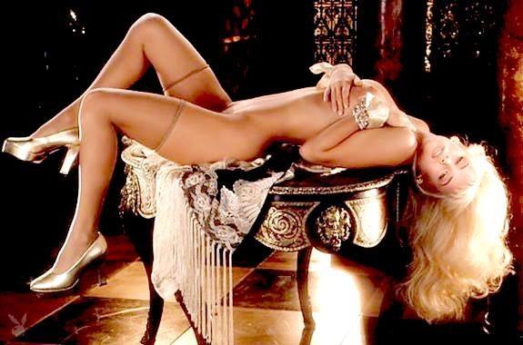 Jenny McCarthy Nude Sexy 1 1024x680019