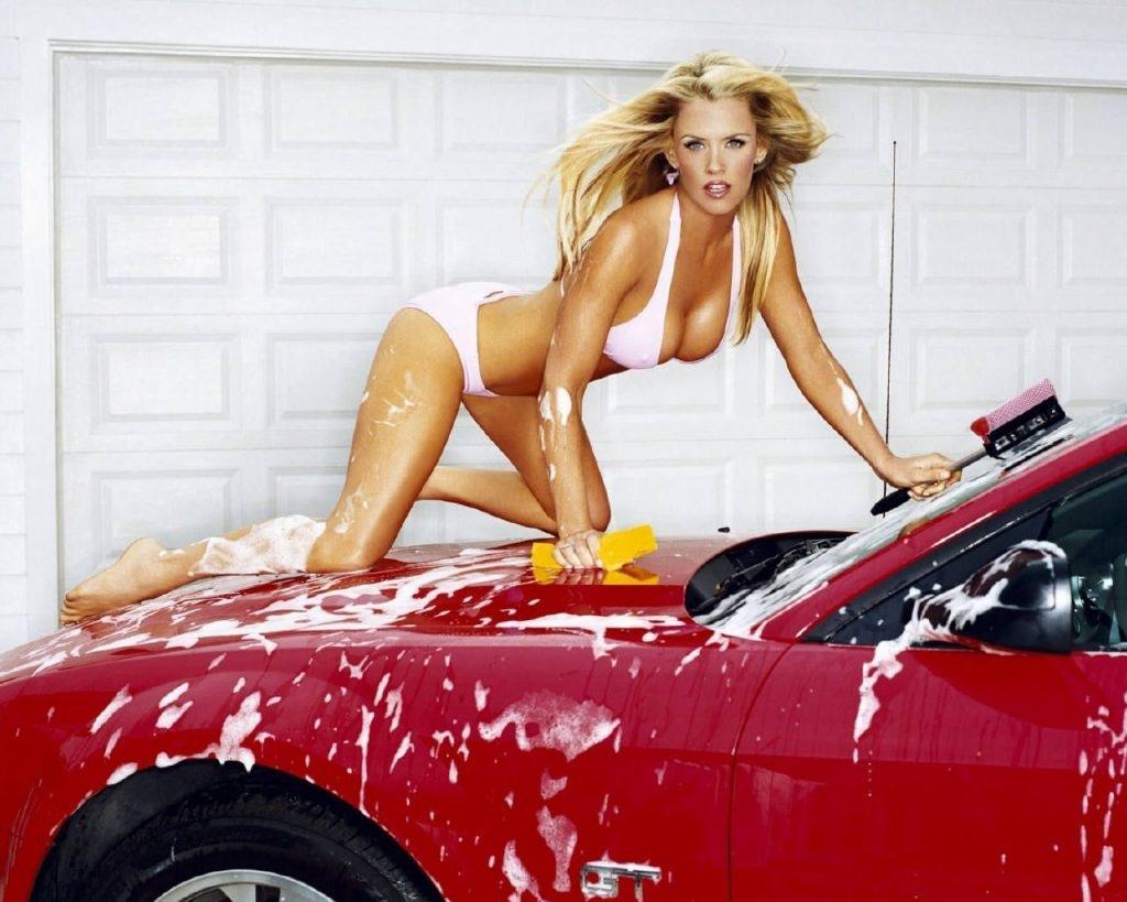 Jenny McCarthy Nude Sexy 1 1024x680023