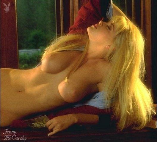 Jenny McCarthy Nude Sexy 1 1024x680030