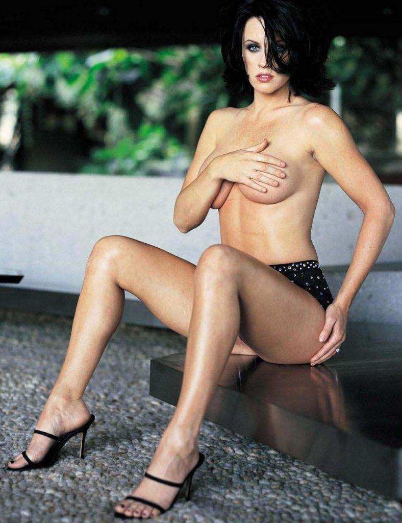 Jenny McCarthy Nude Sexy 1 1024x680034