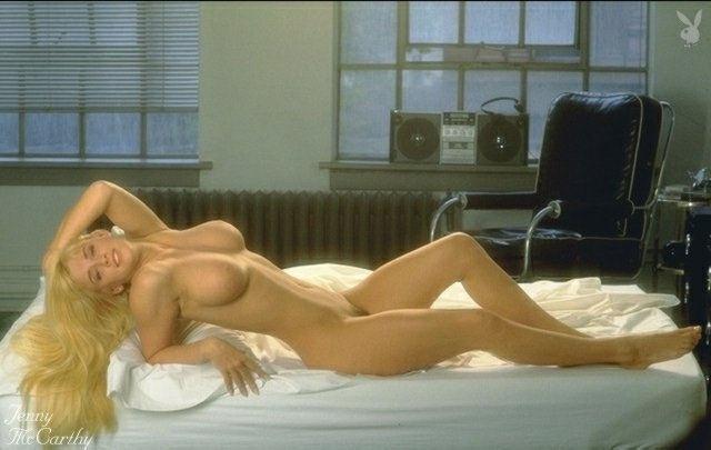 Jenny McCarthy Nude Sexy 1 1024x680035