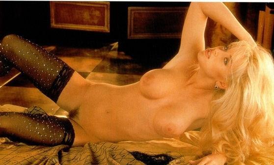 Jenny McCarthy Nude Sexy 1 1024x680036
